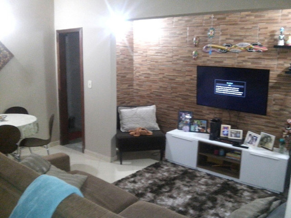 Casa Com 3 Suites Em Local Tranquilo
