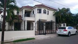 Vendo Casa En Cerro Alto, Santiago, Oferta