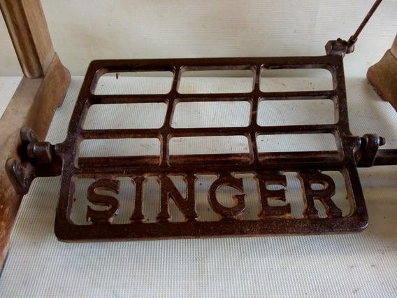Pe De Maquina De Costura Singer Antigo Ferro E Madeira