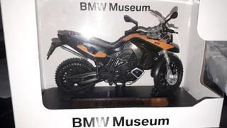 Miniatura De Moto Bmw F 800gs Nova Na Caixa - 1/18