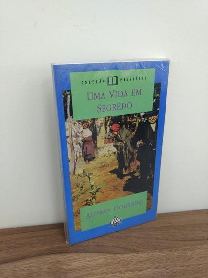 Livro - Uma Vida Em Segredo