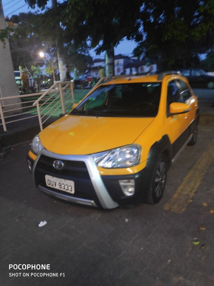 Toyota Etios Cross 1.5 16v 5p 2014
