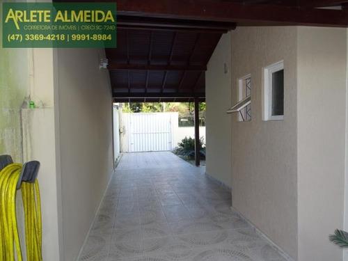 Imagem 1 de 15 de Casa No Bairro Centro Em Porto Belo Sc - 1299