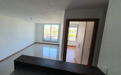 Alquiler Apartamento 2 Dormitorios Tres Cruces Con Garaje