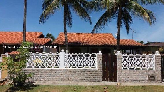 Casa Para Venda Em Araruama, Praia Seca, 4 Dormitórios, 1 Suíte, 2 Banheiros, 4 Vagas - Iv0228