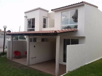 Casa Con Alberca Crédito, Fovissste, Infonavit, Bancario.