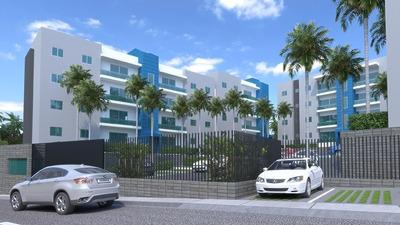 Apartamentos De Tres Habitaciones En La Ave. Jacobo Majluta