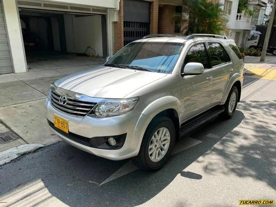 Toyota Fortuner Urbana 2.7 4x2