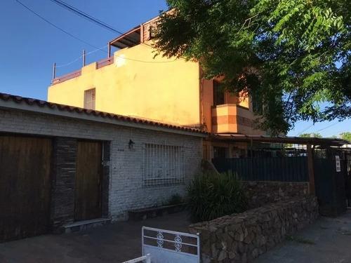 Preciosa Casa La Blanqueada Con Patio; Garage Y Parrillero