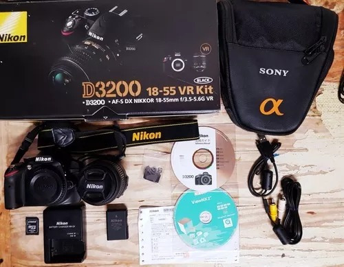 Câmera Nikon D3200 / Semi-nova