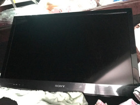 Tv Led 32 Sony Bravia - Com Risco Na Parte Superiro Da Tela