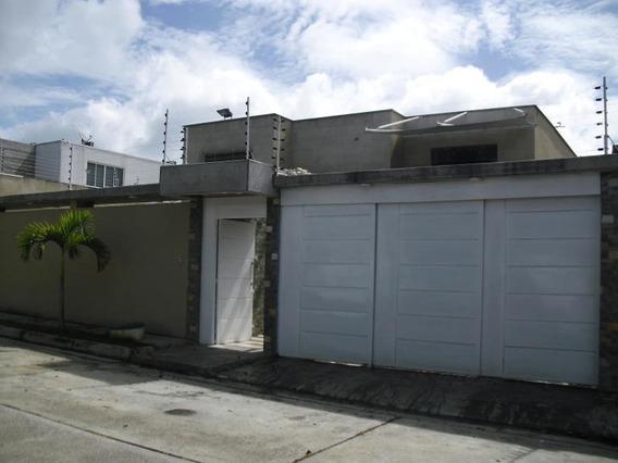 Casa En Venta Lomas De La Lagunita Código 20-2399