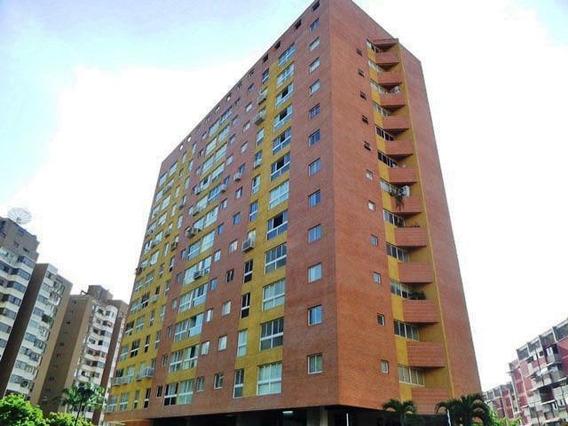 Apartamento En Venta Santa Mónica Jf5 Mls19-3603