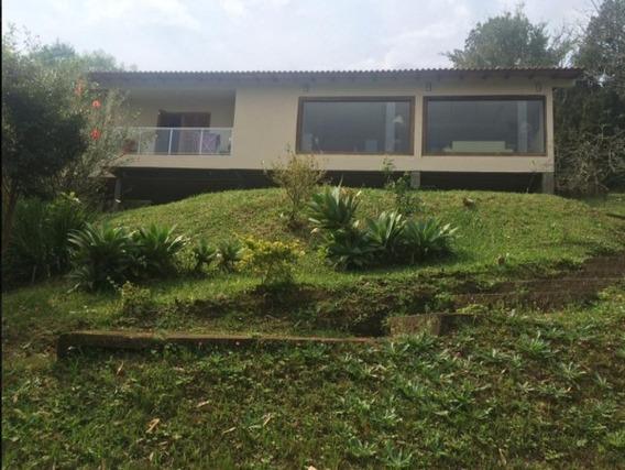 Sítio Em Coronel Aparício Borges Com 2 Dormitórios - Mi10271