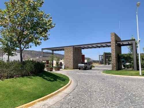 Terreno Habitacional En Residencial El Campestre.