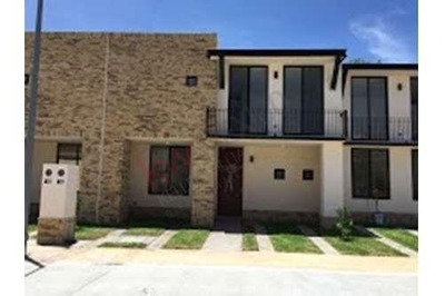 Casa Nueva En Renta Puerta De Piedra, Corregidora $13,500.00