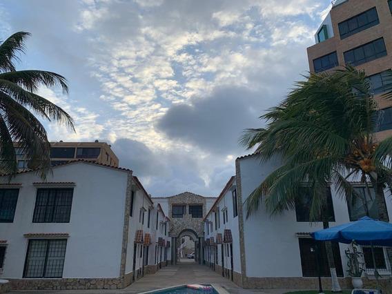 Townhouse Residencia Bahía Tucacas Oportunidad De Inversion