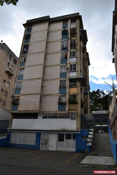 En Venta, Apartamento En El Marques Jeds 19-13599