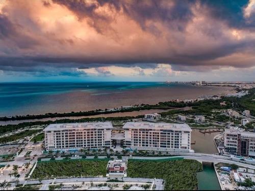 Condo En Venta En Puerto Cancun