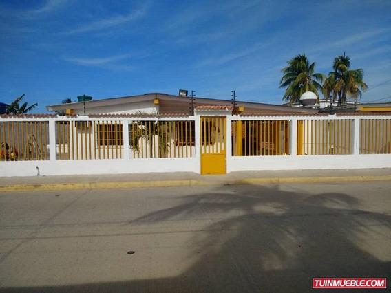 Se Vende Amplia Casa En Chichiriviche, Estado Falcon