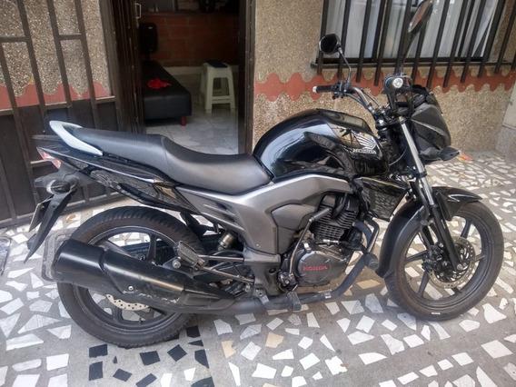 Honda Invicta 150 2014