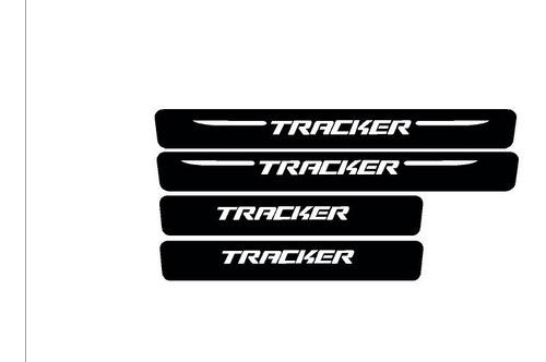 Protector Posa Pies Chevrolet Tracker Fibra De Carbón