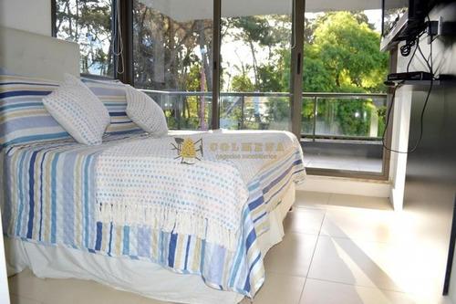 Apartamento De 2 Dormitorios 1 Baño Completo, Cocina Integrada, Toilette, Living-comedor, Amplio Balcón Con Parrillero Propio Y Garaje Cubierto.- Ref: 2021