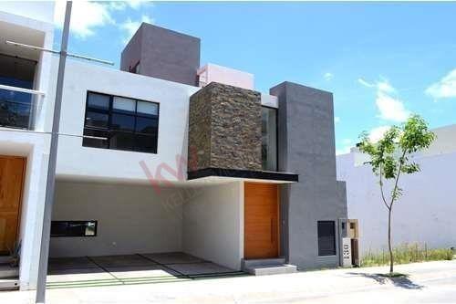 Casa Amueblada En Renta En Privada, Lomas Del Pedregal, San Luis Potosí