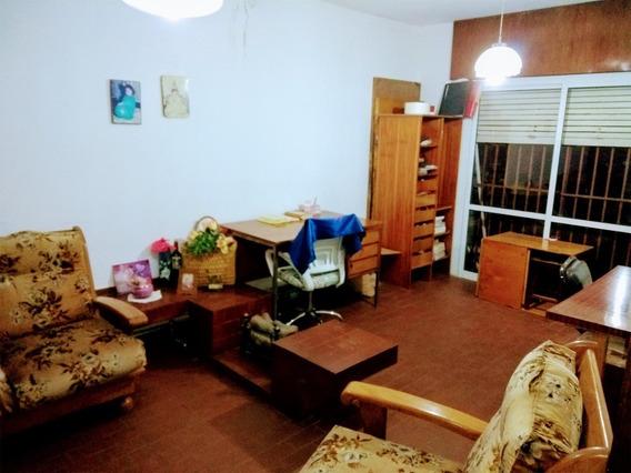 Vendo Casa Tres Dormitorios En Barrio Sep