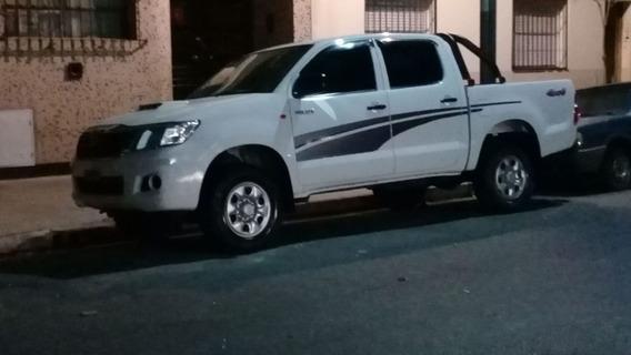 Toyota Hilux 4x4 Cd Pack 2.5 Tdi C3 2015