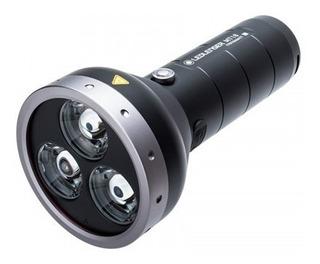 Lanterna Recarregável Led Lenser Mt18 3000 Lúmens 540 Metros
