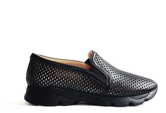 Tênis Slip On Sneaker Com Recortes Em Couro Carrano 162309
