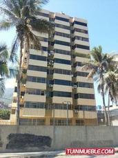 Apartamento En Venta En Macuto, Edo. Vargas