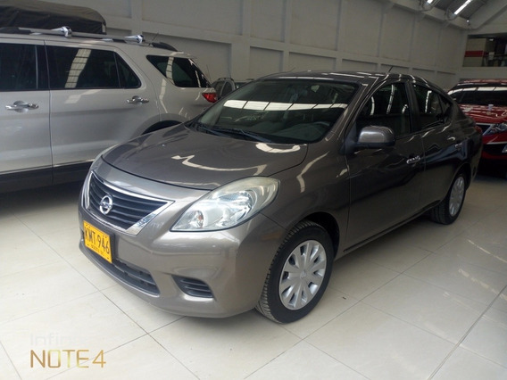 Nissan Versa 1.6 Automatico