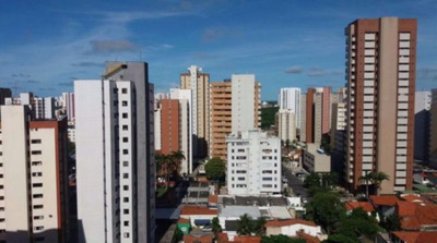 Apartamento Em Papicu Com 4 Dormitórios - Bt2554