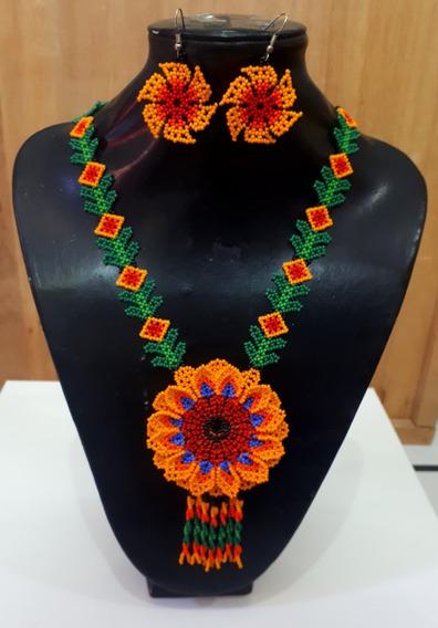 Collar Flor Naranja De Chaquira/ Artesanía Huichol