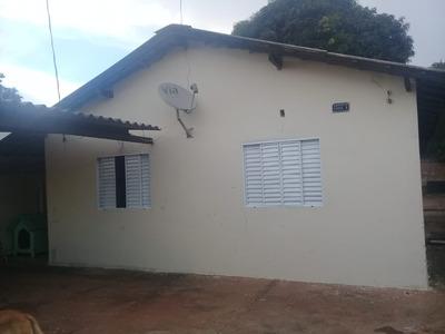 Casa 2 Quartos, 2 Banheiros Sendo Um Suite, Sala, Cozinha.