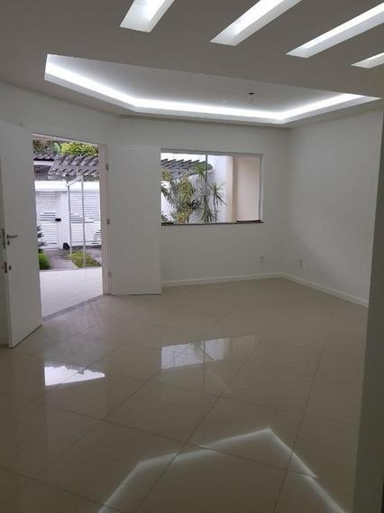 Casa Em Piratininga, Niterói/rj De 0m² 3 Quartos À Venda Por R$ 650.000,00 - Ca215287