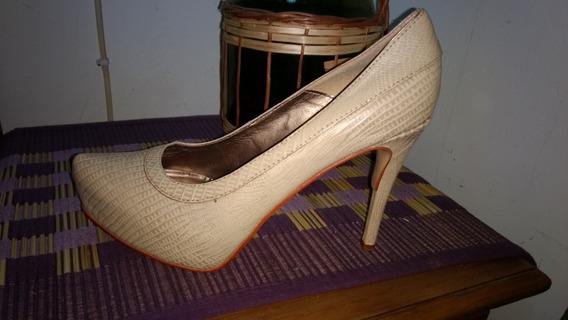 Zapatos Craquelados. Color Crudo.