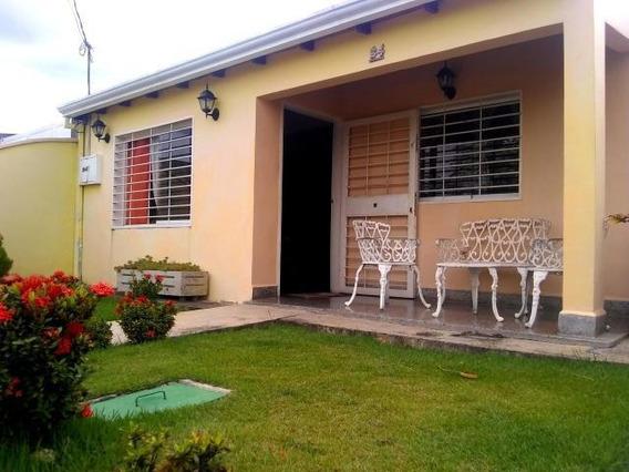 Casa En Venta La Piedad Cabudare Rahco 20-2597