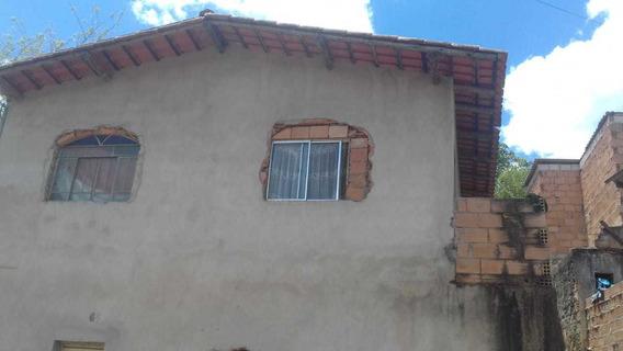 Casa Em Matozinhos, 2 Quartos, Sala, Cozinha E Banheiro, Pro