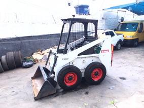 Mini Carregadeira Bobcat 711