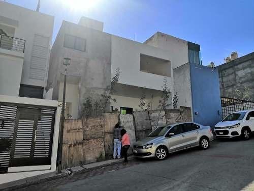 Se Vende Casa En Milenio Iii, Así En Obra Ya Encarada, 3 Recamaras, Estudio,..