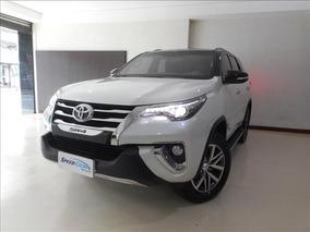 Toyota Hilux Sw4 Sw4 2.8 Tdi Srx 7l 4wd