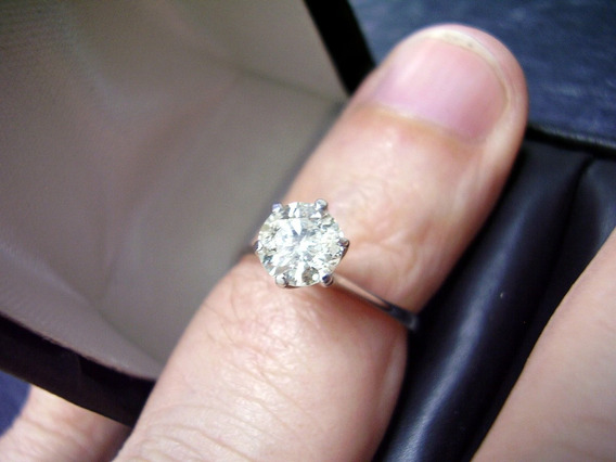 Anel Solitário De Diamante Com 0,50 Cts ,em Ouro Branco !!!