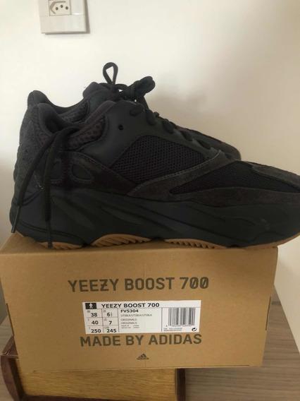 Yeezy Boost 700 Utility Black