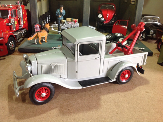 Miniatura Road Legends 1/18 Ford Pick-up Tow Truck 1934