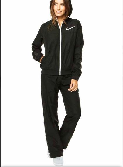 Conjunto Nike Mujer Rompe Viento