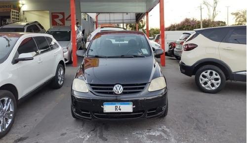 Imagem 1 de 12 de Volkswagen Fox 1.0 Plus Total Flex 5p