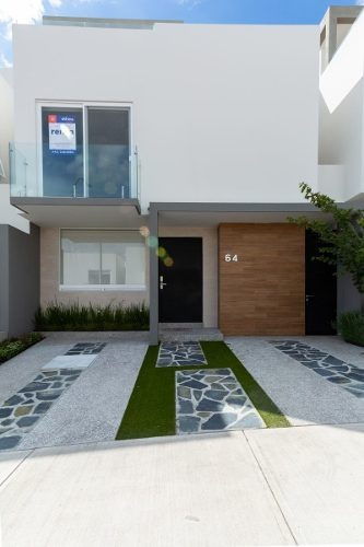 Hermosa Casa En Renta En Zibata Con Acabados Premium